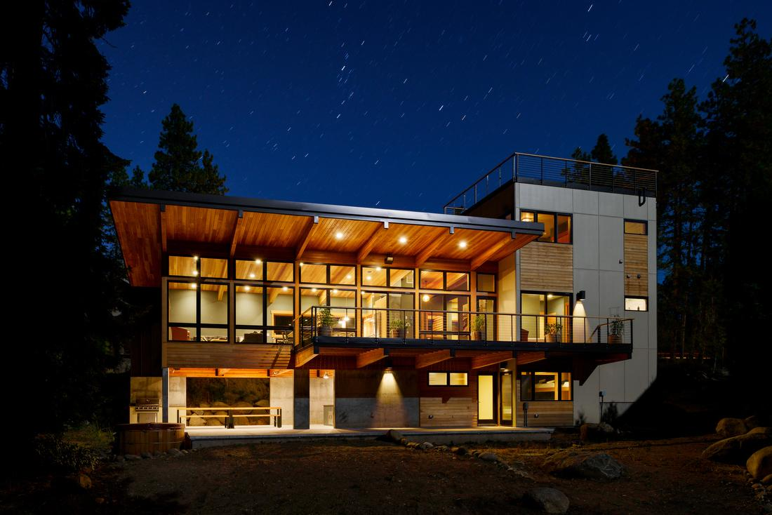 Exterior of Wenatchee River House